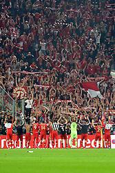10.04.2013, Juventus Stadium, Turin, ITA, UEFA Champions League, Juventus Turin vs FC Bayern Muenchen, Viertelfinale, Rueckspiel, im Bild Bayern Fans lassen sich von den mitgereisten Fans feiern // during the UEFA Champions League best of eight 2nd leg match between Juventus FC and FC Bayern Munich at the Juventus Stadium, Torino, Italy on 2013/04/10. EXPA Pictures © 2013, PhotoCredit: EXPA/ Eibner/ Global..***** ATTENTION - AUSTRIA ONLY *****