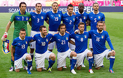 10-06-2012 VOETBAL: UEFA EURO 2012 DAY 3: POLEN OEKRAINE<br /> Team of Italy (standing row L-R) Gianluigi Buffon of Italy, Giorgio Chiellini of Italy, Leonardo Bonucci of Italy, Christian Maggio of Italy, Mario Balotelli of Italy and Thiago Motta of Italy; (first row L-R) Emanuele Giaccherini of Italy, Antonio Cassano of Italy, Andrea Pirlo of Italy, Claudio Marchisio of Italy and Daniele De Rossi of Italy during the UEFA EURO 2012 group C match between Spain and Italy at The Arena Gdansk<br /> ***NETHERLANDS ONLY***<br /> ©2012-FotoHoogendoorn.nl