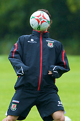 CARDIFF, WALES - Tuesday, August 19, 2008: Wales' captain Simon Davies training at the Vale of Glamorgan Hotel ahead of their international friendly match against Georgia. (Photo by David Rawcliffe/Propaganda)