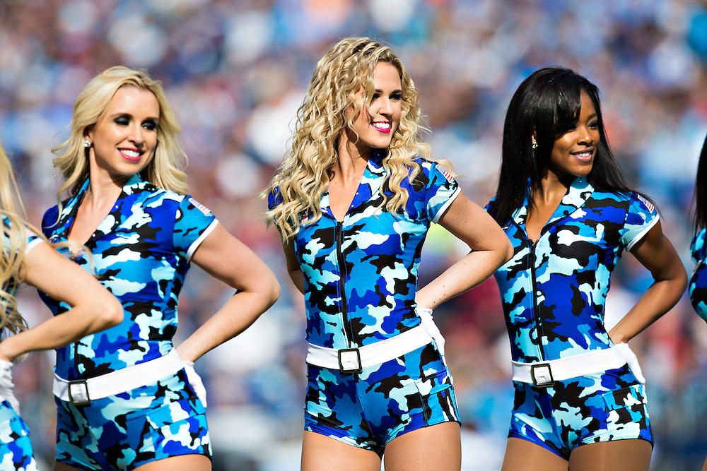 NASHVILLE, TN - NOVEMBER 15:  Cheerleaders of the Tennessee Titans perform during a game against the Carolina Panthers at Nissan Stadium on November 15, 2015 in Nashville, Tennessee.  (Photo by Wesley Hitt/Getty Images) *** Local Caption ***