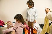 Milano, bambine rom. Rom girls.