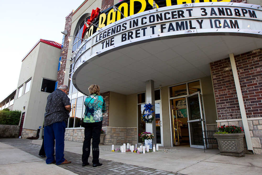 BRANSON, MO - APRIL 18:  Jimmy and Laurie Tingstrom of New Orleans pay their respects during a candlelight vigil in honor of Dick Clark at Dick Clark's American Bandstand Theater on April 18, 2012 in Branson, Missouri.  (Photo by David Welker/Getty Images)*** Local Caption *** Jimmy Tingstrom; Lauri Tingstrom