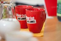 04 NOV 2010, BERLIN/GERMANY:<br /> Kaffeebecher der Partei Die linke im Buero von Gesine Loetzsch, Die Linke Parteivorsitzende, Karl-Liebknecht-Haus<br /> IMAGE: 20101104-01-002<br /> KEYWORDS: Gesine Lötzsch