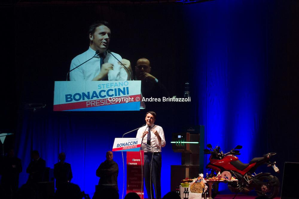 Bologna 20/11/2014 Elezioni Regionali 2014: Chiusura Campagna Elettorale<br /> Nella foto Matteo Renzi Presidente del Consiglio