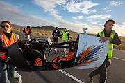 De Velox tijdens de vijfde racedag in Battle Mountain. Het Human Power Team Delft en Amsterdam, dat bestaat uit studenten van de TU Delft en de VU Amsterdam, is in Amerika om tijdens de World Human Powered Speed Challenge in Nevada een poging te doen het wereldrecord snelfietsen voor vrouwen te verbreken met de VeloX 8, een gestroomlijnde ligfiets. Het record is met 121,81 km/h sinds 2010 in handen van de Francaise Barbara Buatois. De Canadees Todd Reichert is de snelste man met 144,17 km/h sinds 2016.<br /> <br /> With the VeloX 8, a special recumbent bike, the Human Power Team Delft and Amsterdam, consisting of students of the TU Delft and the VU Amsterdam, wants to set a new woman's world record cycling in September at the World Human Powered Speed Challenge in Nevada. The current speed record is 121,81 km/h, set in 2010 by Barbara Buatois. The fastest man is Todd Reichert with 144,17 km/h.