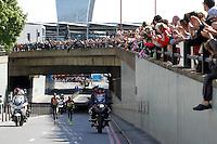 Women's race leaders, Edna Kiplagat and Florence Kiplagat<br /> The Virgin Money London Marathon 2014<br /> 13 April 2014<br /> Photo: Jed Leicester/Virgin Money London Marathon<br /> media@london-marathon.co.uk
