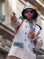 Mourad Merzouki, french choreographer<br /> After being canceled to the Gerland stadium in 2017, following the risk of attacks, the parade of the biennale of dance, found the streets of Lyon, Sunday, September 16. The biggest choreographic parade in Europe has paraded for peace ... Under high security.
