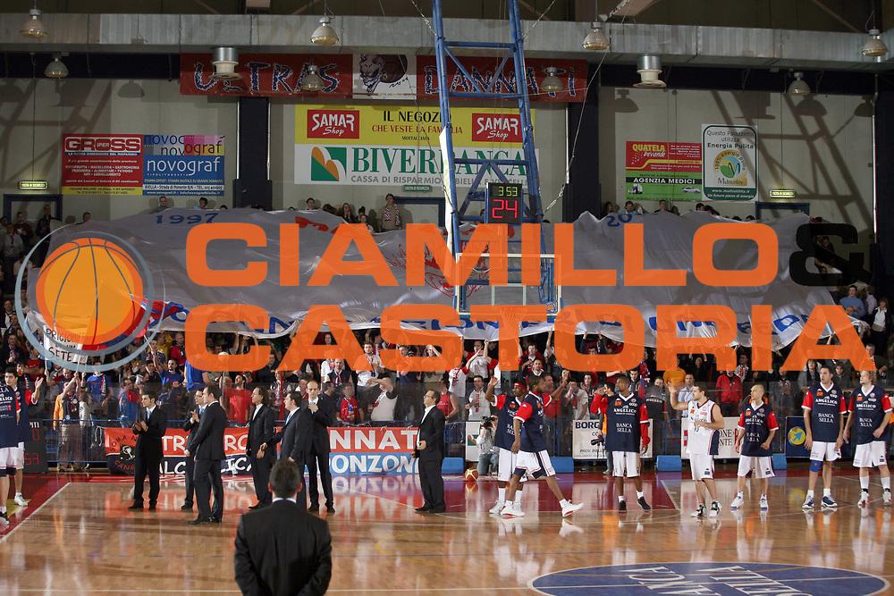 DESCRIZIONE : Biella Lega A1 2006-07 Angelico Biella Air Avellino<br /> GIOCATORE : Tifosi<br /> SQUADRA : Angelico Biella<br /> EVENTO : Campionato Lega A1 2006-2007<br /> GARA : Angelico Biella Air Avellino<br /> DATA : 28/01/2007<br /> CATEGORIA : Tifosi<br /> SPORT : Pallacanestro<br /> AUTORE : Agenzia Ciamillo-Castoria/S.Ceretti