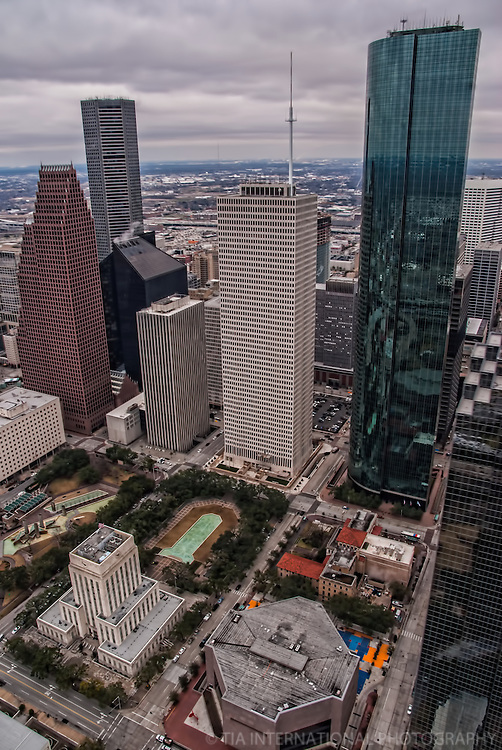Downtown Houston featuring City Hall, Wells Fargo Bank Plaza and One Shell Plaza