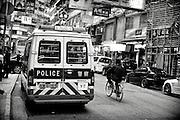 Hong Kong | HongKong | 02.12.2012 :  <br /> <br /> hier: Polizei und Radfahrer<br />   <br /> Sascha Rheker<br /> 20121202<br /> <br /> <br /> <br /> [Inhaltsveraendernde Manipulation des Fotos nur nach ausdruecklicher Genehmigung des Fotografen. Vereinbarungen ueber Abtretung von Persoenlichkeitsrechten/Model Release der abgebildeten Person/Personen liegt/liegen nicht vor.] [No Model Release | No Property Release]