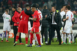 18.02.2016, WWKArena, Augsburg, GER, UEFA EL, FC Augsburg vs FC Liverpool, Sechzehntelfinale, Hinspiel, im Bild Trainer Markus Weinzierl ( FC Augsburg ) bei den Spielern nach dem 0:0, // during the UEFA Europa League Round of 32, 1st Leg match between FC Augsburg and FC Liverpool at the WWKArena in Augsburg, Germany on 2016/02/18. EXPA Pictures © 2016, PhotoCredit: EXPA/ Eibner-Pressefoto/ Langer<br /> <br /> *****ATTENTION - OUT of GER*****