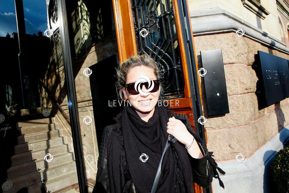 AMSTERDAM - In het Conservatorium Hotel vierde Leco Zadelhoff zijn 45ste verjaardag. Met op de foto  Dominique van Hulst, alias Do. FOTO LEVIN DEN BOER  - PERSFOTO.NU