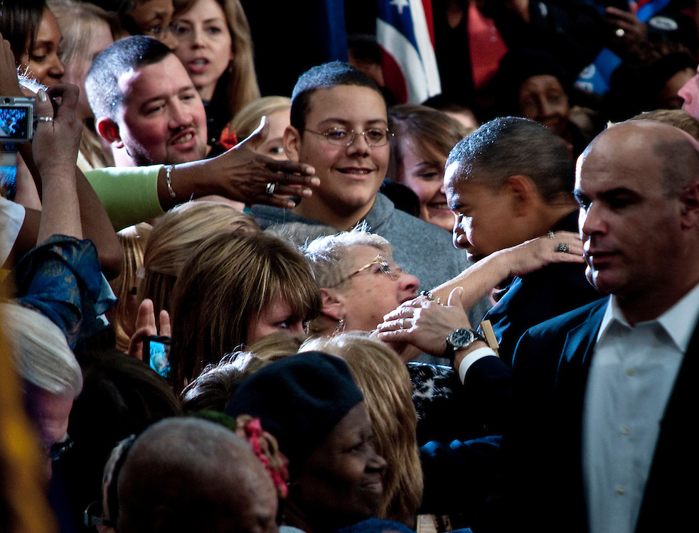 Ruth Ann Rose hugging President Obama during a campaign event in Springfield, Ohio