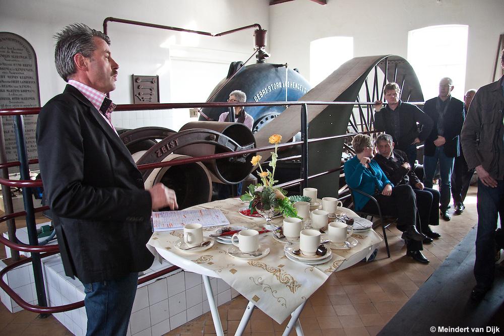 De heer Doeke Kraak, voorzitter van de Landinrichtingscommissie Echtener en Groote Veenpolder, ging in op de historie van de Veenpolders.