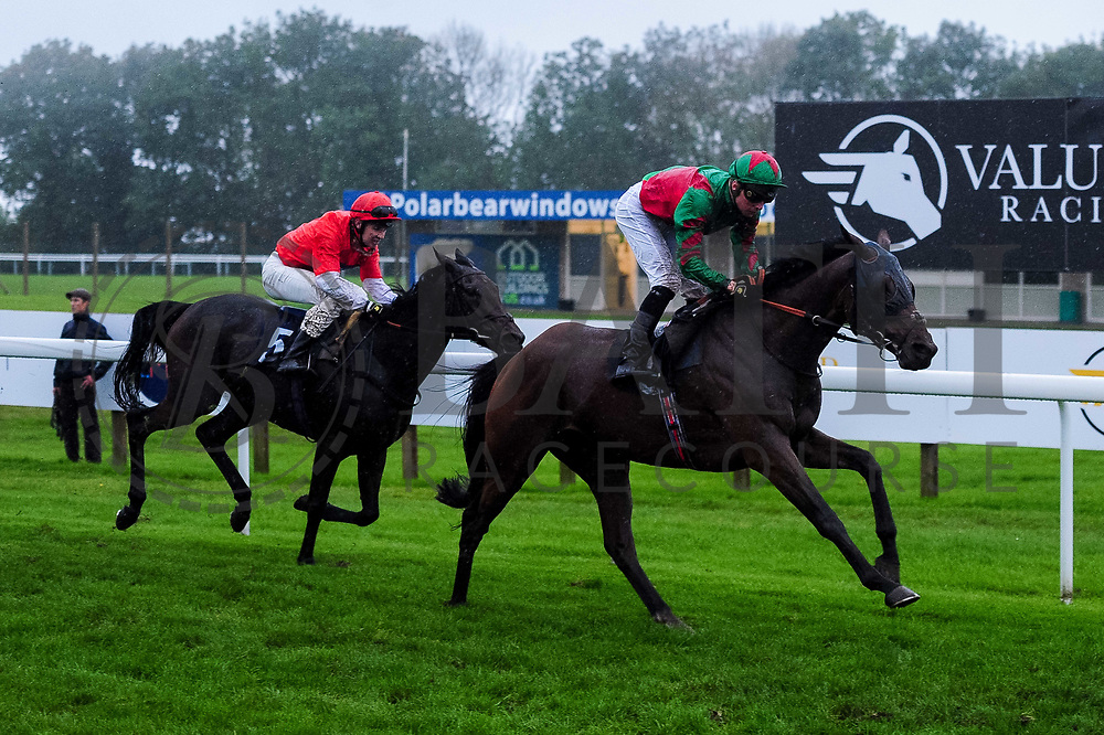 Sea Art ridden by Jason Watson and trained by W J Knight, Givepeaceachance ridden by Charles Bishop and trained by D J Coakley - Ryan Hiscott/JMP - 30/09/2019 - PR - Bath Racecourse - Bath, England - Race Meeting at Bath Racecourse