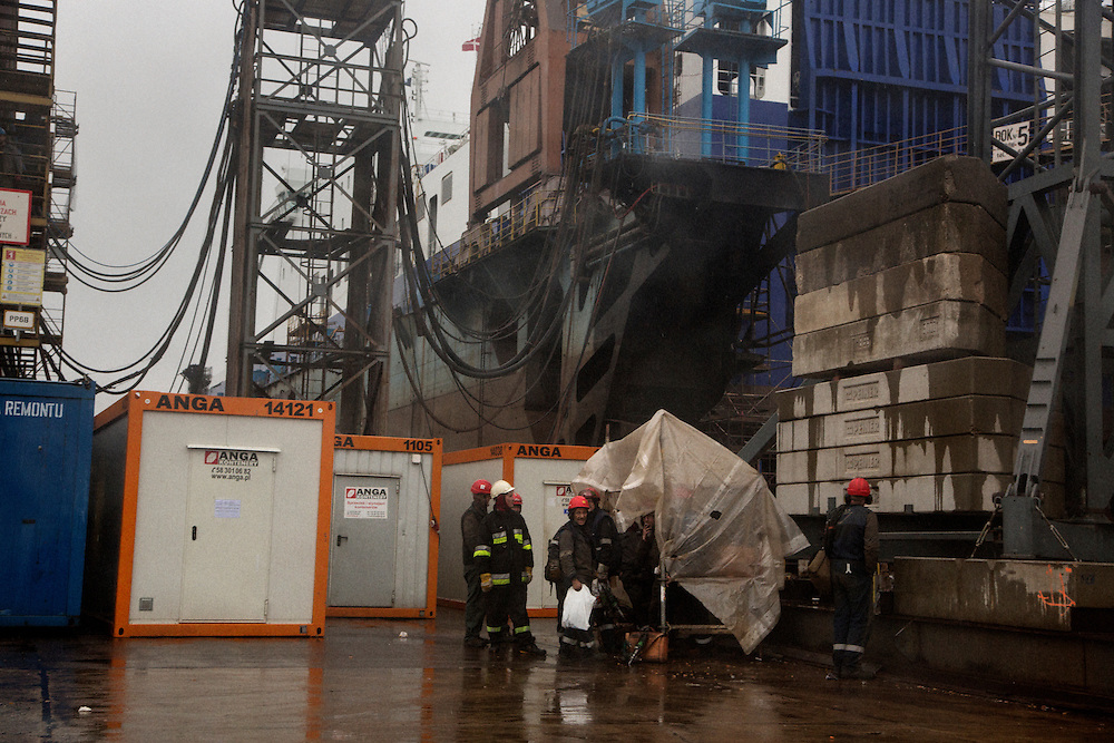 Workers at the Remontowa shipyard. Retrofitting a (LNG? Oil? TK with MacDowall) rig.<br /> <br /> Gdansk and Remontowa Shipyards