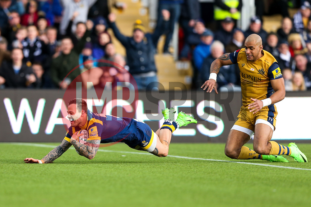 Francois Hougaard of Worcester Warriors scores a try - Rogan Thomson/JMP - 04/03/2017 - RUGBY UNION - Sixways Stadium - Worcester, England - Worcester Warriors v Bristol Rugby - Aviva Premiership.