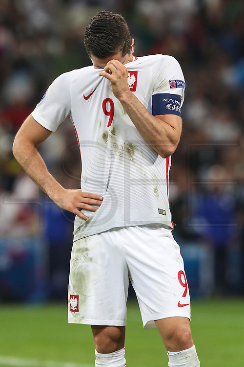 MARSEILLE, FRANCE, 06.30.2016 - PORTUGAL-POLAND -Robert Lewandowisk of Poland in the match against Portugal valid for the quarterfinals of Euro 2016 at the Velodrome stadium in Marseille, on Thursday (30)