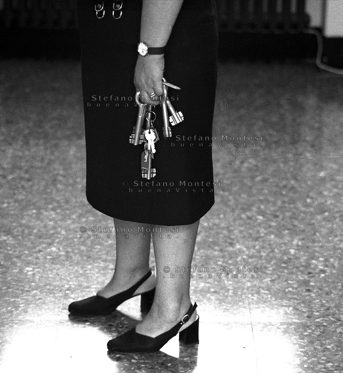 Roma 2000.Rebibbia, Carcere Femminile.Agente penitenziario.Rome 2000.Rebibbia Prison Women.Prison officer