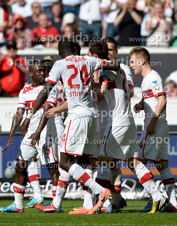 14.04.2013, Mercedes Benz Arena, Stuttgart, GER, 1. FBL, VfB Stuttgart vs Borussia Moenchengladbach, 29. Runde, im Bild Torjubel, Jubel, Freude, Emotion bei Stuttgarter Spielern nach 2:0 durch Christian GENTNER VfB Stuttgart // during the German Bundesliga 29th round match between VfB Stuttgart and Borussia Moenchengladbach at the Mercedes Benz Arena, Stuttgart, Germany on 2013/04/14. EXPA Pictures © 2013, PhotoCredit: EXPA/ Eibner/ Weber..***** ATTENTION - OUT OF GER *****