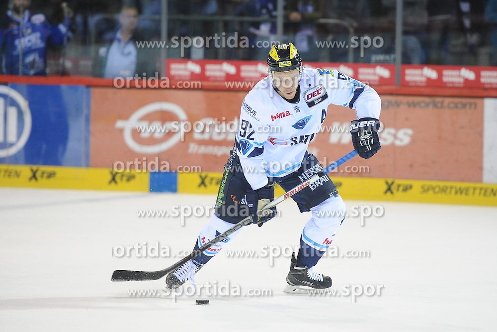 09.10.2015, Helios-Arena, Schwenningen, GER, DEL, Schwenninger Wild Wings vs ERC Ingolstadt, 9. Runde, im Bild Alexander Barta (ERC Ingolstadt) // during the German DEL Icehockey League 9th round match between Schwenninger Wild Wings and ERC Ingolstadt at the Helios-Arena in Schwenningen, Germany on 2015/10/09. EXPA Pictures &copy; 2015, PhotoCredit: EXPA/ Eibner-Pressefoto/ Laegler<br /> <br /> *****ATTENTION - OUT of GER*****