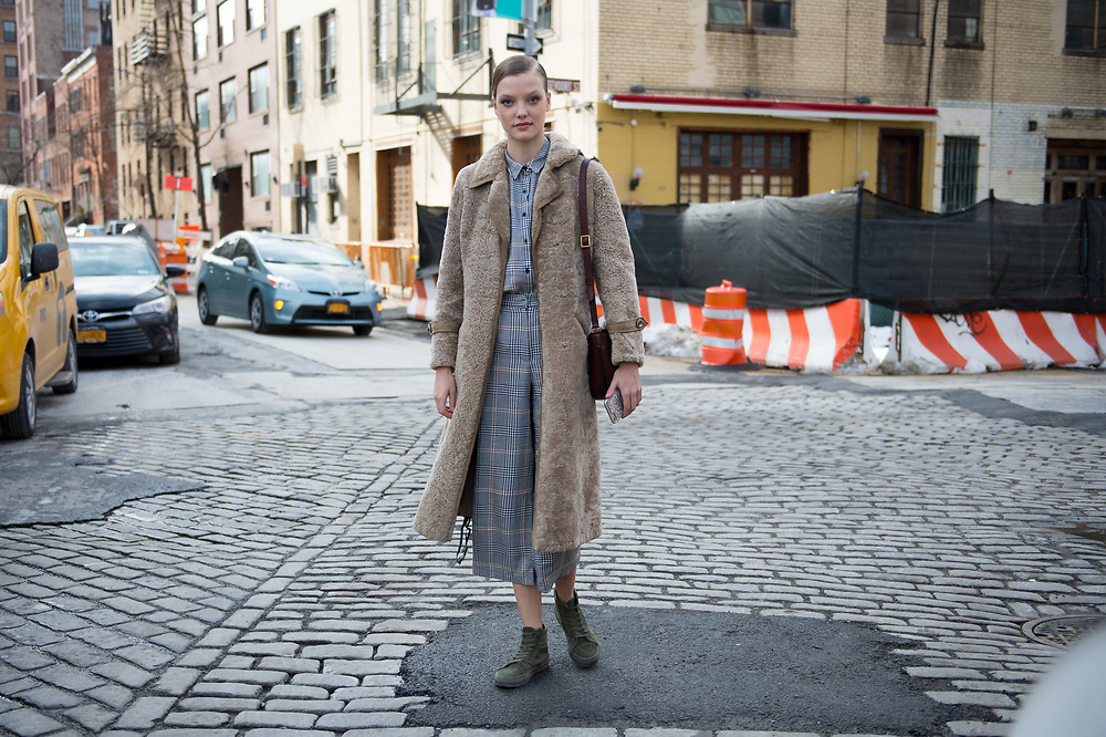 Roos Abels in Prince of Wales Plaid, After Carolina Herrera FW2017 2