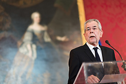 10.05.2017, Präsidentschaftskanzlei, Wien, AUT, Statement des Bundespräsidenten anlässlich des Rücktritts von Vizekanzler Mitterlehner, im Bild Bundespräsident Alexander Van der Bellen // federal president of Austria Alexander Van der Bellen during statement of the federal chancellor regarding to resignation of the austrian vice chancellor Mitterlehner at federal presidents office in Vienna, Austria on 2017/05/10 EXPA Pictures © 2017, PhotoCredit: EXPA/ Michael Gruber