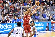 DESCRIZIONE : Milano Lega A 2014-15  EA7 Emporio Armani Milano vs Vagoli Basket Cremona<br /> GIOCATORE : Bruno Cerella<br /> CATEGORIA : Passaggio Equilibrio<br /> SQUADRA : EA7 Emporio Armani Milano<br /> EVENTO : Campionato Lega A 2014-2015<br /> GARA : EA7 Emporio Armani Milano vs Vagoli Basket Cremona<br /> DATA : 25/01/2015<br /> SPORT : Pallacanestro <br /> AUTORE : Agenzia Ciamillo-Castoria/I.Mancini<br /> Galleria : Lega Basket A 2014-2015  <br /> Fotonotizia : Cantù Lega A 2014-2015 Pallacanestro : EA7 Emporio Armani Milano vs Vagoli Basket Cremona<br /> Predefinita :