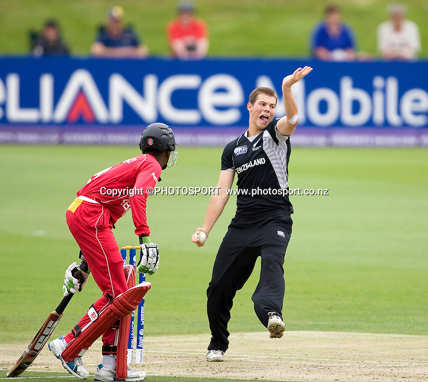 Tim Johnston bowling during his spell that ended with figures of 3 for 37 off his 10 overs. New Zealand v Zimbabwe, U19 Cricket World Cup group stage match, Bert Sutcliffe Oval, Lincoln, Tuesday 19 January 2010. Photo : Joseph Johnson/PHOTOSPORT