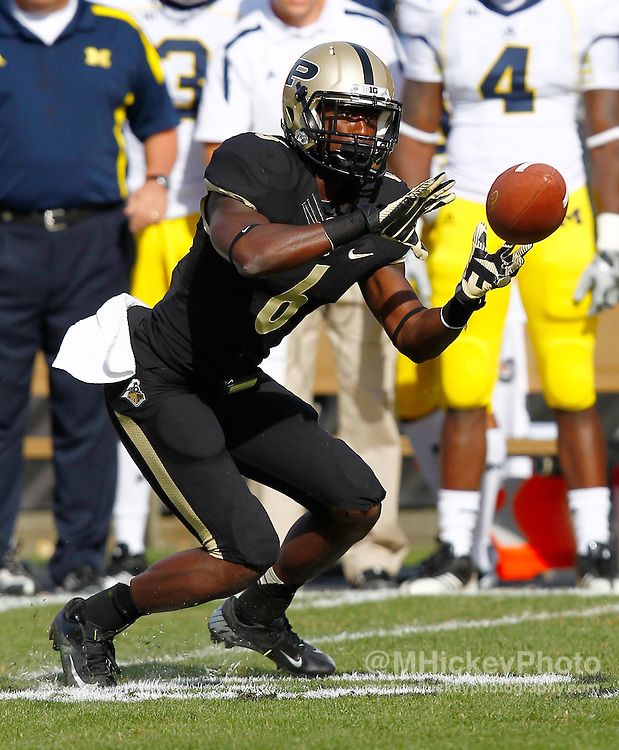 WEST LAFAYETTE, IN - OCTOBER 06: Wide receiver Gary Bush #6 of the Purdue Boilermakers reaches for a pass reception against the Michigan Wolverines at Ross-Ade Stadium on October 6, 2012 in West Lafayette, Indiana. (Photo by Michael Hickey/Getty Images) *** Local Caption *** Gary Bush