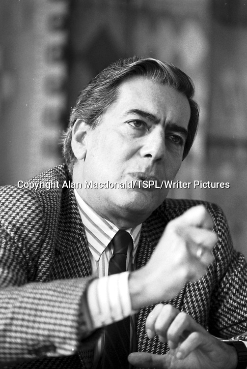South American author Mario Vargas Llosa in Edinburgh<br /> <br /> Copyright Alan Macdonald/TSPL/Writer Pictures<br /> contact +44 (0)20 8224 1564<br /> sales@writerpictures.com<br /> www.writerpictures.com