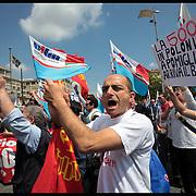 Manifestazione nazionale dei lavoratori Fiat da Mirafiori al Lingotto indetta da Fim, Fiom, Uilm e Fismic...Il corteo si apre con gli operai di Pomigliano e con quelli di Termini Imerese.