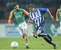 Fotball, 31. januar 2004, Bundesliga,, v.l. Paul Stalteri Bremen, Alexander Ludwig<br /> Bundesliga SV Werder Bremen - Hertha BSC