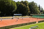 Tennisanlage im Nerotal, Wiesbaden, Hessen, Deutschland | tennis court in Nerotal, Wiesbaden, Hesse, Germany