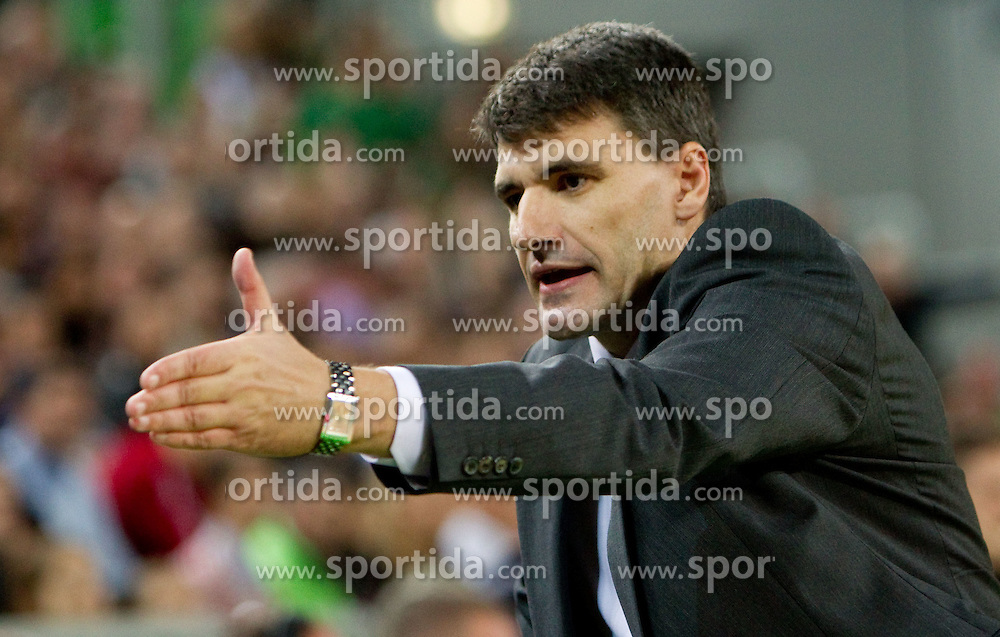 Head coach of Efes Velimir Perasovic  during basketball match between KK Union Olimpija (SLO) and Efes Pilsen (Tur) in Group D of Turkish Airlines Euroleague, on October 20, 2010 in SRC Stozice, Ljubljana, Slovenia. (Photo By Vid Ponikvar / Sportida.com)