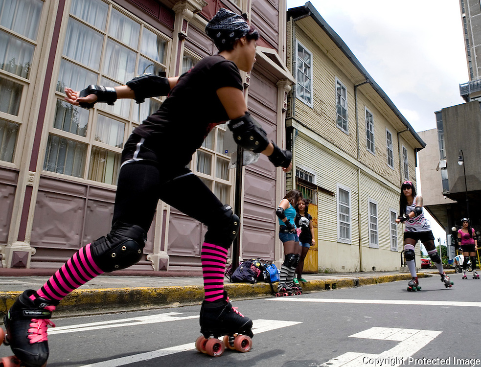 Paola Martinez (Siouxsie Wheels) Skating at the roller derby practice with her teammates Saturday in Parque Espana.