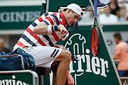 John ISNER (USA) unsatisfaction threwed it tennis racket on the floor during the Roland Garros French Tennis Open 2018, day 9, on June 4, 2018, at the Roland Garros Stadium in Paris, France - Photo Stephane Allaman / ProSportsImages / DPPI