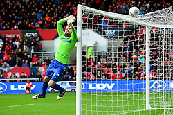 Andy Lonergan of Leeds United makes a save - Mandatory by-line: Dougie Allward/JMP - 21/10/2017 - FOOTBALL - Ashton Gate Stadium - Bristol, England - Bristol City v Leeds United - Sky Bet Championship