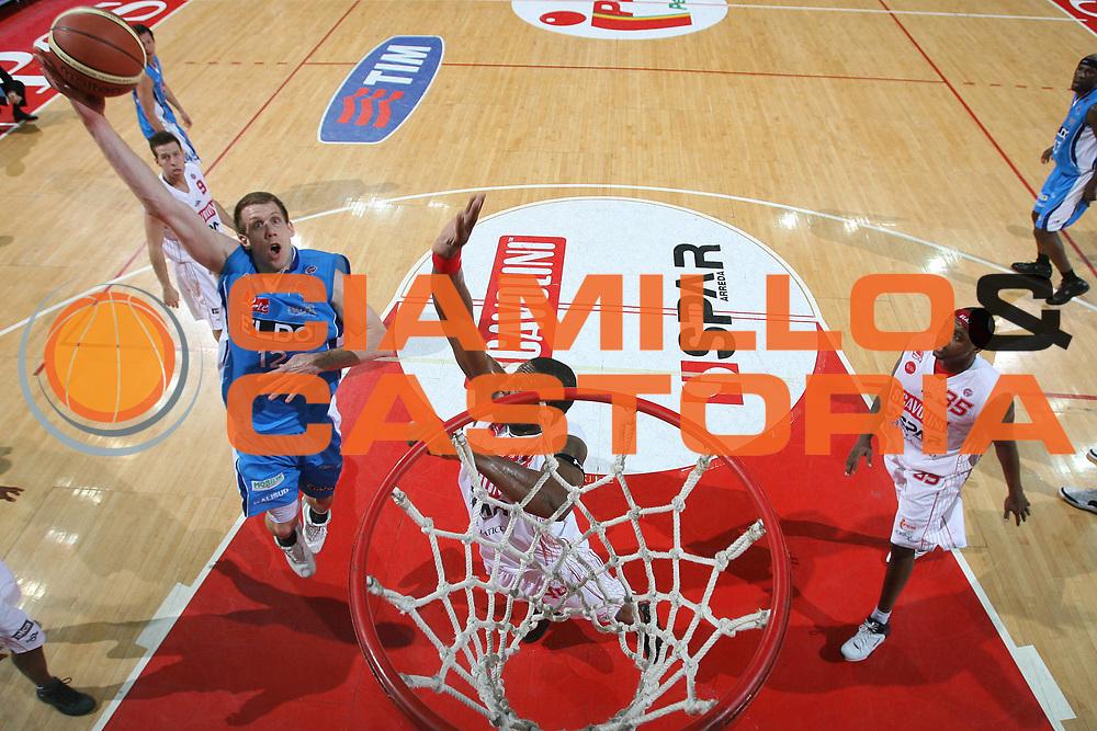 DESCRIZIONE : Pesaro Lega A1 2007-08 Scavolini Spar Pesaro Eldo Napoli<br /> GIOCATORE : Richard Mason Rocca<br /> SQUADRA : Eldo Napoli<br /> EVENTO : Campionato Lega A1 2007-2008 <br /> GARA : Scavolini Spar Pesaro Eldo Napoli<br /> DATA : 08/03/2008<br /> CATEGORIA : Special Super Tiro Gancio<br /> SPORT : Pallacanestro <br /> AUTORE : Agenzia Ciamillo-Castoria/G.Ciamillo