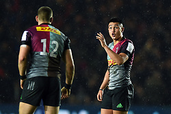 Marcus Smith of Harlequins speaks with team-mate James Lang - Mandatory byline: Patrick Khachfe/JMP - 07966 386802 - 23/11/2019 - RUGBY UNION - The Twickenham Stoop - London, England - Harlequins v Bath Rugby - Heineken Champions Cup