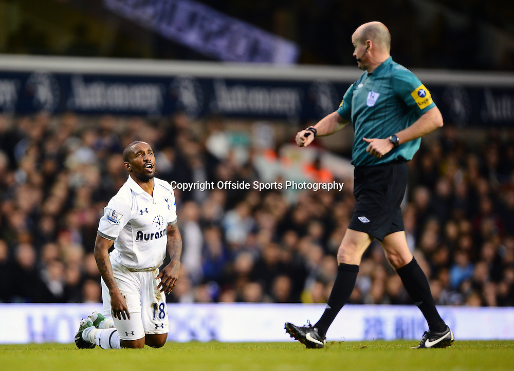 22nd December 2012 - Barclays Premier League - Tottenham Hotspur v Stoke City - Jermain Defoe of Tottenham Hotspur complains to Referee, Lee Mason - Photo: Marc Atkins / Offside.