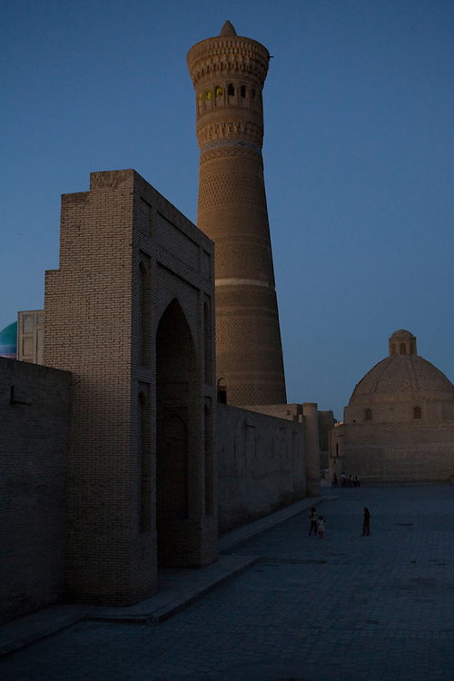 Bukhara (Kalon minaret) at night