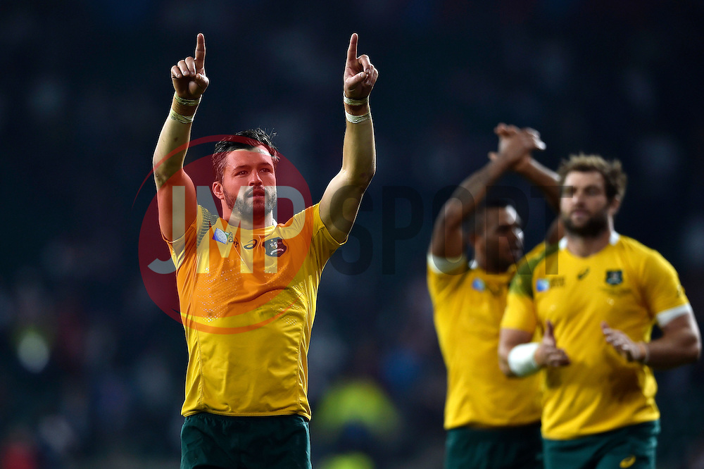 Adam Ashley-Cooper of Australia celebrates after the match - Mandatory byline: Patrick Khachfe/JMP - 07966 386802 - 03/10/2015 - RUGBY UNION - Twickenham Stadium - London, England - England v Australia - Rugby World Cup 2015 Pool A.