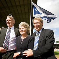 St Johnstone v Motherwell...15.08.09 <br /> St Johnstone Chairman Geoff Brown (right) pictured with his wife Joyce after unveiling the 1st Division Champions flag<br /> Picture by Graeme Hart.<br /> Copyright Perthshire Picture Agency<br /> Tel: 01738 623350  Mobile: 07990 594431