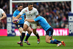 Luther Burrell of England takes on the Italy defence - Photo mandatory by-line: Patrick Khachfe/JMP - Mobile: 07966 386802 14/02/2015 - SPORT - RUGBY UNION - London - Twickenham Stadium - England v Italy - Six Nations Championship