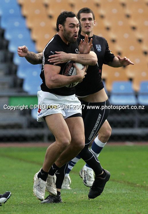 Wairangi Koopu. Warriors training. Mt Smart Stadium, Auckland, New Zealand. Thursday 13 September 2007. Photo: Hagen Hopkins/PHOTOSPORT