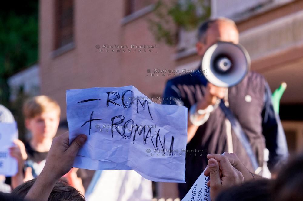 Roma, 28 Maggio 2015<br /> Manifestazione contro i rom dopo che mercoledì sera un'auto  con tre rom a bordo, in via Battistini, ha travolto nove persone, uccidendo sul colpo la filippina di 44 anni, Corazon Perez Abordo.<br /> Rome, May 28, 2015<br /> Demonstration against roma  after that  wednesday night a car with three roma on board, in via Battistini,he struck  nine people, instantly killing the 44 year old filipina  Corazon Abordo Perez.