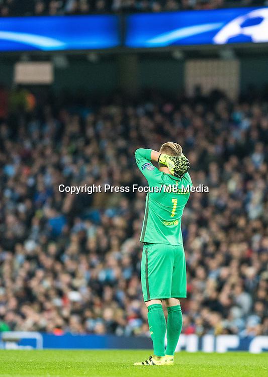 2016.11.01 Manchester<br /> Pilka nozna Liga Mistrzow sezon 2016/2017<br /> Manchester City - FC Barcelona<br /> N/z Marc-Andre ter Stegen<br /> Foto Sebastian Frej / PressFocus<br /> <br /> 2016.11.01 Manchester<br /> Football Champions League season 2016/2017<br /> Manchester City - FC Barcelona<br /> Marc-Andre ter Stegen<br /> Credit: Sebastian Frej / PressFocus