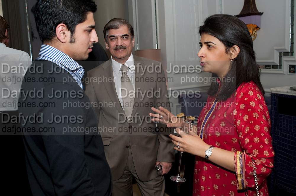 RIYAN DURRANI; MATEEN DURRANI; TANIYA KHAN, Henry Porter hosts a launch for Songs of Blood and Sword by Fatima Bhutto. The Artesian at the Langham London. Portland Place. 15 April 2010. *** Local Caption *** -DO NOT ARCHIVE-© Copyright Photograph by Dafydd Jones. 248 Clapham Rd. London SW9 0PZ. Tel 0207 820 0771. www.dafjones.com.<br /> RIYAN DURRANI; MATEEN DURRANI; TANIYA KHAN, Henry Porter hosts a launch for Songs of Blood and Sword by Fatima Bhutto. The Artesian at the Langham London. Portland Place. 15 April 2010.