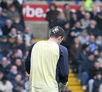 Photo: Mark Stephenson.<br /> Birmingham City v Cardiff City. Coca Cola Championship. 04/03/2007.Birmingham's goal keeper Colin Doyle has his head cut open